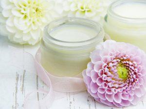¿Cómo aplicar la crema Astalift facial correctamente?